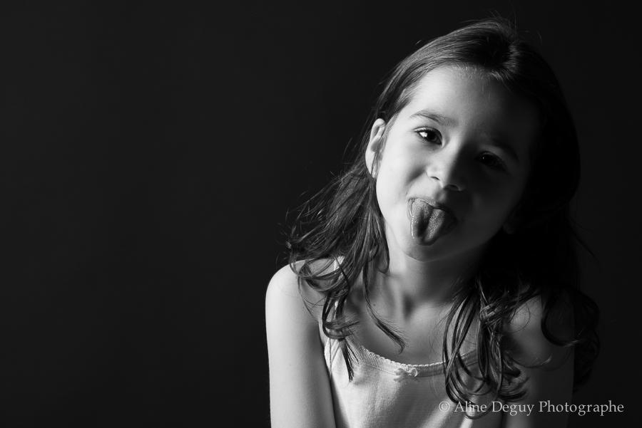 photographe, Aline Deguy, enfant, studio, paris, région parisienne, 75, 77, 78, 91, 92, 93, 94, 95, portrait, site internet, Nanterre, Boulogne, Rueil, Suresnes, Puteaux , famille, bébé