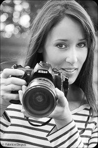 Aline Deguy photographe professionnelle specialiste nouveau-ne, femme enceinte, bebe, enfant et suivi des familles, studio et exterieur Paris bio picture