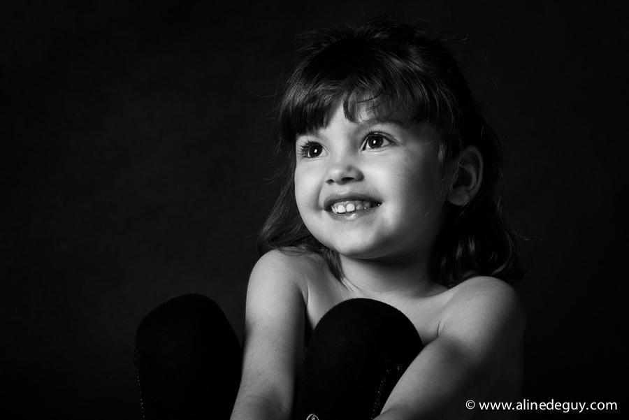 portrait fille, portrait enfant, famille, photographe spécialisé enfant, photographe studio, séance photo studio, photo enfant, blog photo bébé, blog photo enfant