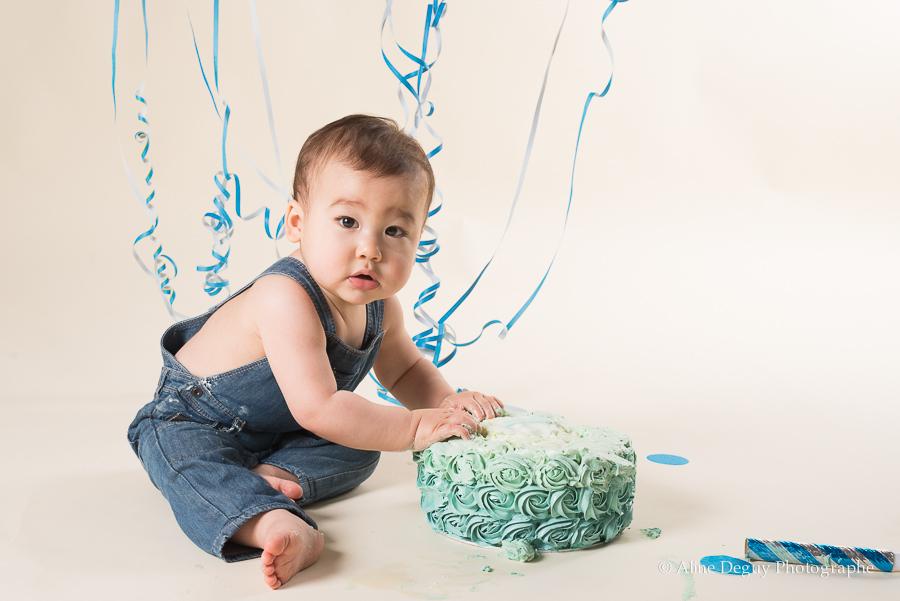 Photographe bébé Nanterre, photo anniversaire, gâteau d'anniversaire original, smash the cake