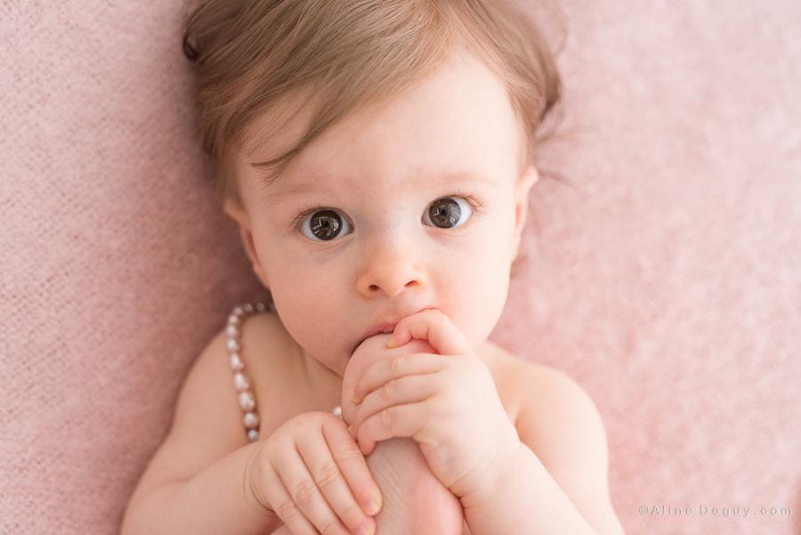 Photo bébé fille, photographe Paris enfant, séance photo bébé