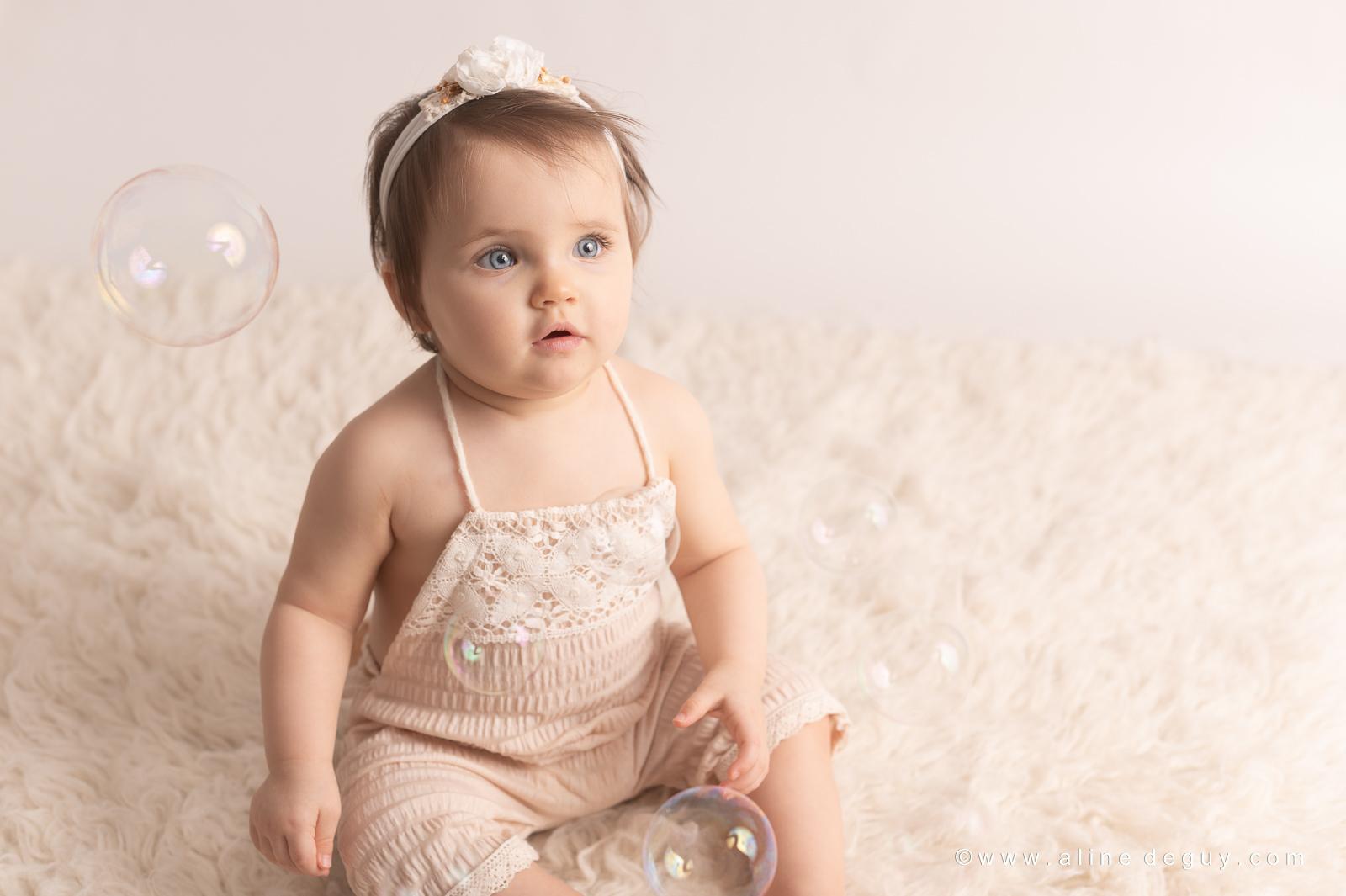 Photographe bébé suresnes, photo de bébé yeux bleus, prénom jade